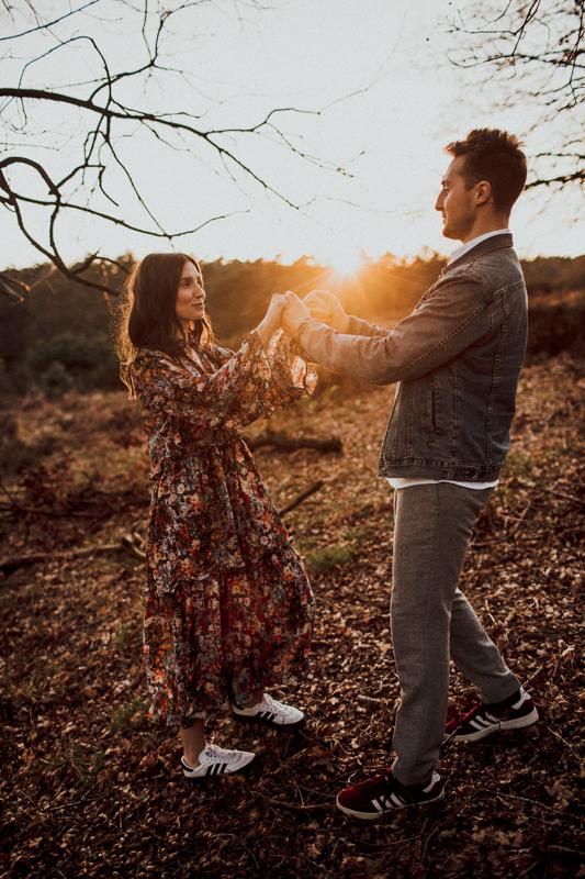 Die letzten Sonnenstrahlen immer wieder ein Highlight bei den Pärchen Shootings. Dieser Ort wäre auch ein toller Platz für ein Ehegelübde. BACK TO NATURE!