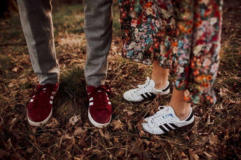 Wie aus einem Abenteuer Katalog! Voila hier die perfekten Schuhe für ein Abenteuer Photoshooting in der wilden Natur.